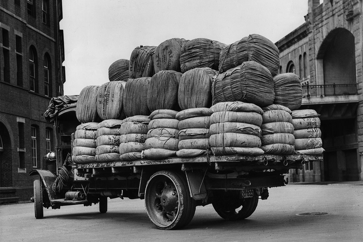 Wool Lorry at Wharf - Hickson Road, Millers Point. Walsh Bond Stores. 1935